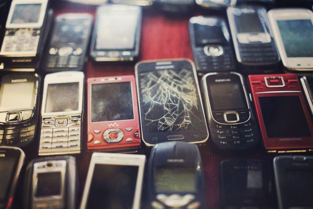 EU: Dovolj je elektronskih naprav za enkratno uporabo! Biti morajo trajne in popravljive.