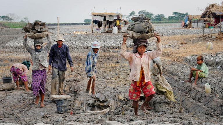 Začelo se je leto mednarodnega boja proti otroškemu delu
