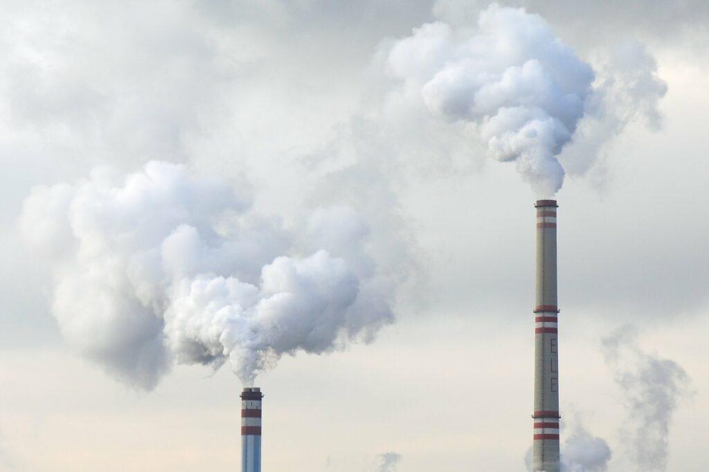 Onesnaženje zaradi fosilnih goriv povzroča 20 odstotkov smrti med odraslimi
