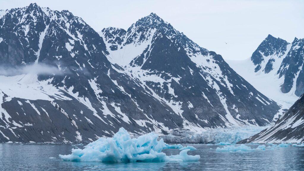 Odlomila se je največja ledena gora doslej, velika je kot slaba četrtina Slovenije