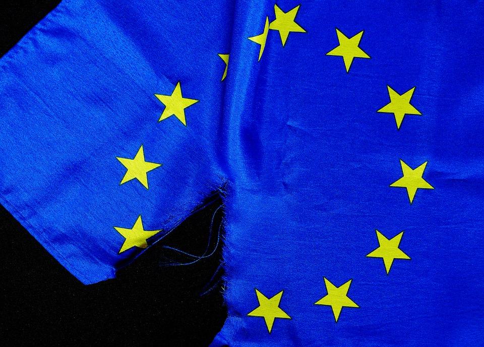Komentar: Pol milijarde evrov manj za razvojno sodelovanje v 2022?